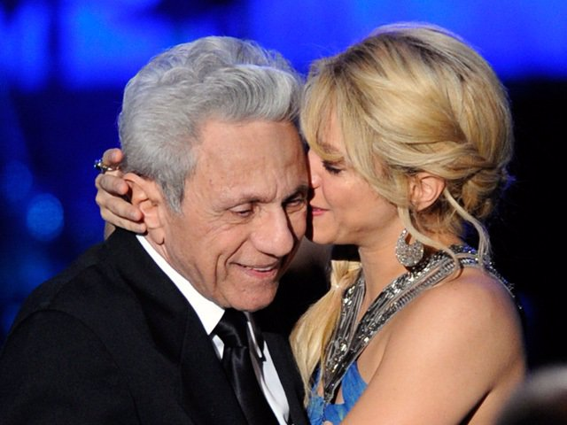 Shakira con su padre en un concierto de la artista