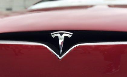 Las acciones de Tesla se desploman tras la dimisión de su responsable de Contabilidad