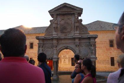 El casco histórico de Baeza (Jaén) se iluminará con 10.000 velas en la Noche del Patrimonio
