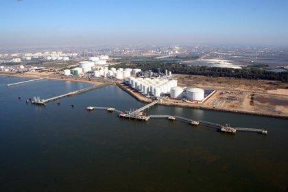 El puerto de Huelva mueve 2,2 millones de toneladas en julio y crece un 43% el tráfico de contenedores