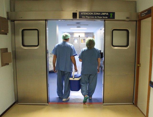 Trabajadores en un hospital