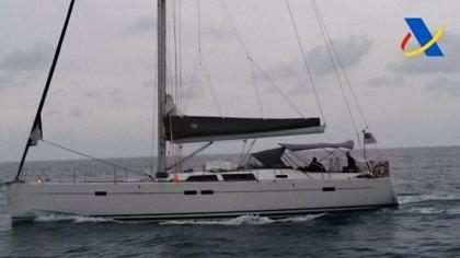 Interceptado en aguas de Cartagena un velero con 7 toneladas de hachís