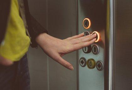 Casi un millar de viviendas reciben ayudas por 2,5 millones para instalar ascensores