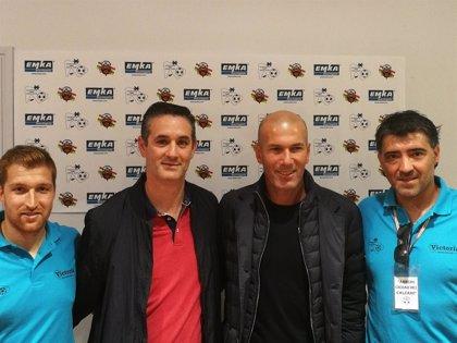 Azcona visita a los más de 500 jóvenes que participan en el XXIV Torneo Internacional de Fútbol Arnedo Ciudad de Arnedo