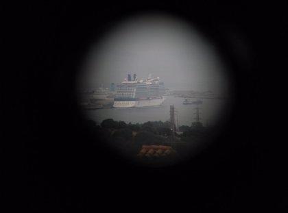 """Ecologistas alertan a cruceristas del """"riesgo"""" ante la presencia de un submarino """"nuclear"""" en Gibraltar"""