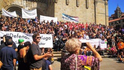 """Más de 200 trabajadores de medios públicos gallegos se movilizan para pedir el """"fin de la manipulación"""""""