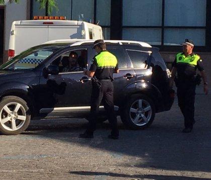 """La Policía Local de Utrera (Sevilla) denuncia dos taxis """"piratas"""""""