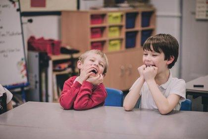 Cómo enseñar a los niños a ser un buen compañero de clase