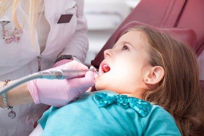 Odontopediatras riojanos recomiendan la primera visita al dentista al cumplir el año
