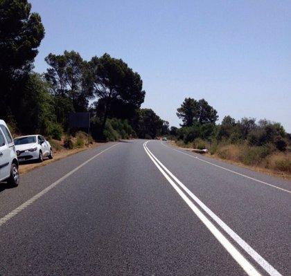 En estado grave un hombre tras un accidente de moto en la carretera de la Cala Sant Vicenç
