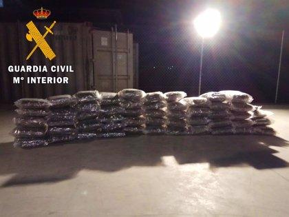 Detenidos cuatro acusados de traficar con droga camuflada en camiones con productos hortofrutícolas