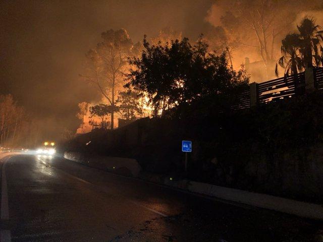 Incendio declarado en Llutxent (Valencia) en la parte afectada de Barx (Valencia