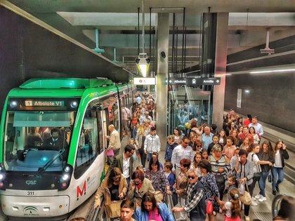 Paros parciales de los trabajadores del metro de Granada en demanda de mejoras laborales
