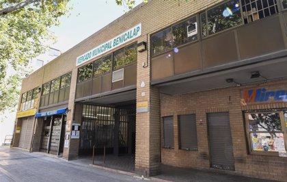 El Ayuntamiento prevé concluir las obras en las paradas del mercado de Benicalap la segunda semana de septiembre