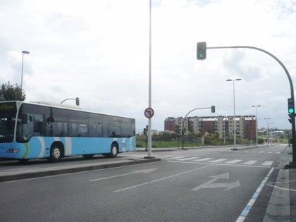 El asfaltado de Corbanera impedirá el paso de la línea 18 del TUS el martes y miércoles