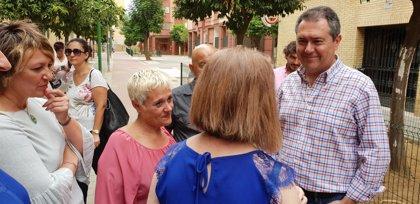 Ayuntamiento de Sevilla concluye la reurbanización integral de barriada de San Carlos tras una inversión de 1,4 millones