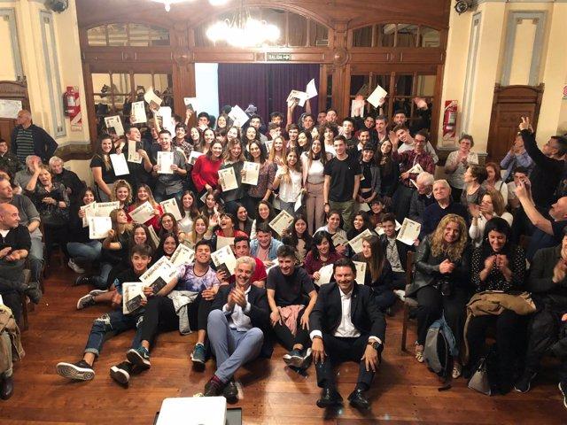 Miranda presenta ante 79 beneficiarios de Argentina programas de proximidad.