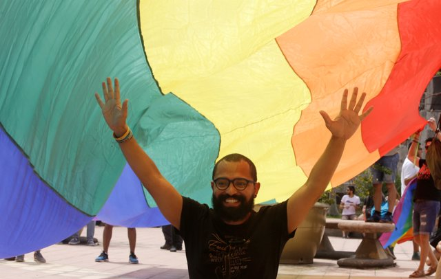 Miembros de la comunidad LGBT frente el Tribunal Supremo de Costa Ric