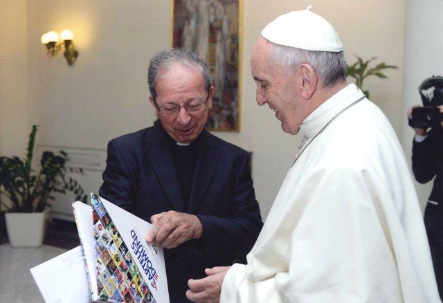 Anastasio Gil García con el Papa Francisco