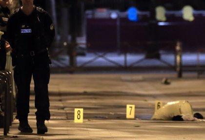 Al menos siete heridos tras ser apuñalados en el centro de París