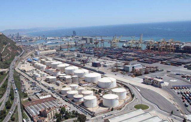 Instalaciones portuarias de CLH
