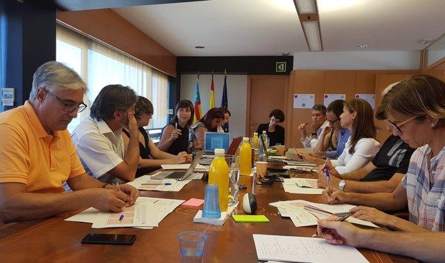 Reunión de la AVI con especialistas en salud