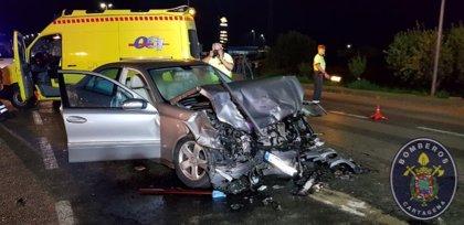 Dos heridos graves en un accidente frontal de dos vehículos en la salida de La Aljorra, en Cartagena