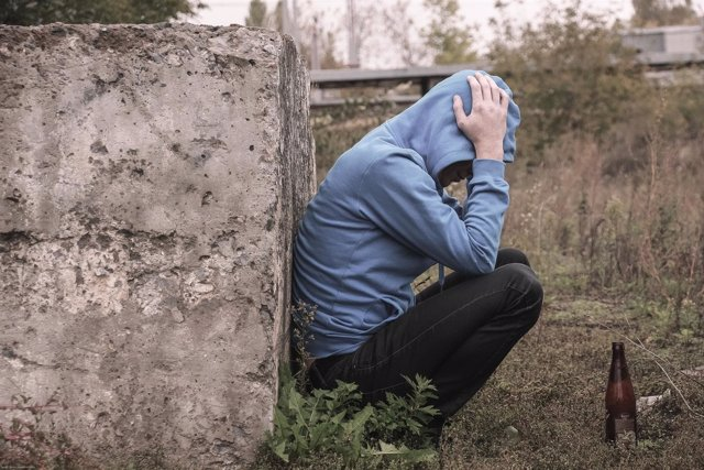 Alcoholismo, dependencia al alcohol, depresión