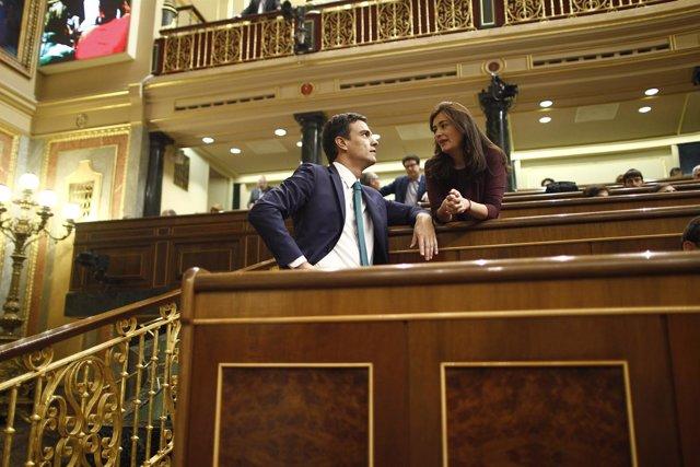 Pedro Sánchez y Carmen Montón, diputada por Valencia