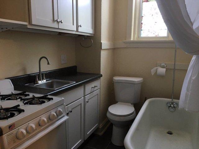 Baño dentro de la cocina