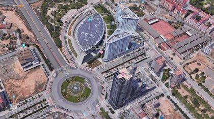 Dos hombres heridos en un accidente entre varios coches en la rotonda del Palacio de Congresos de València