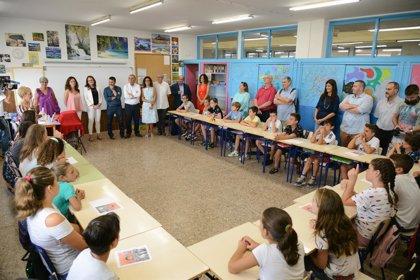 """Oltra y Marzà destacan que los alumnos en barracones han bajado a la mitad: """"Este tema es carpeta cerrada"""""""