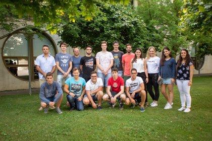 Un total de 29 estudiantes de cursos superiores de grado de la UPNA ejercen como mentores para sus compañeros de primero