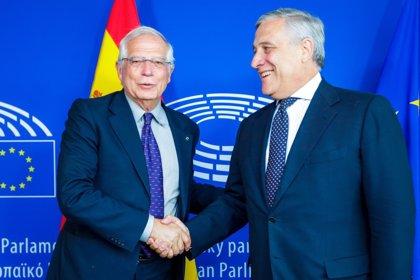 """Borrell agradece al presidente de la Eurocámara su """"apoyo explícito"""" a la Constitución frente al independentismo catalán"""