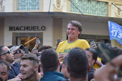 Aumentan los apoyos a Bolsonaro en Brasil tras ser apuñalado