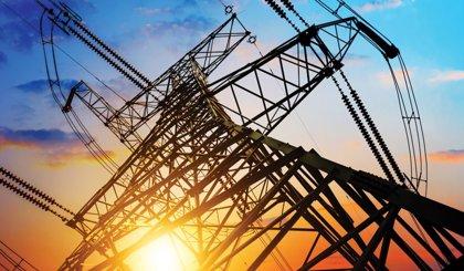 La subida del precio de la luz disparó los ingresos de las eléctricas un 2,4% en 2017, hasta 32.170 millones