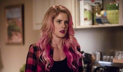 Arrow: Felicity exhibe su nuevo e impactante 'look' en nuevas fotos de la 7ª temporada