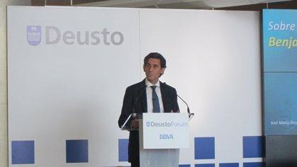 Álvarez-Pallete dice que Telefónica es mucho más fuerte, pero los inversores ven crecimiento en otros sectores