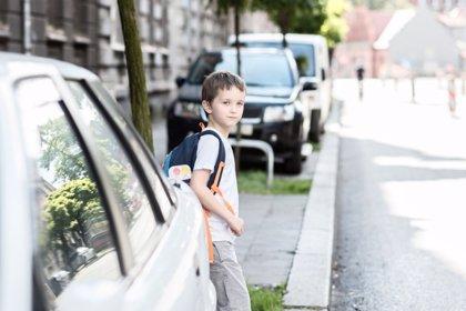 Consejos para llevar a los niños en coche seguros al colegio