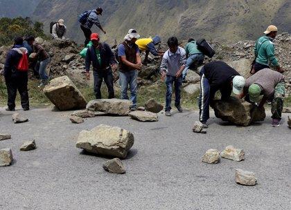 Cocaleros de Bolivia bloquean carreteras y el Gobierno niega diálogo