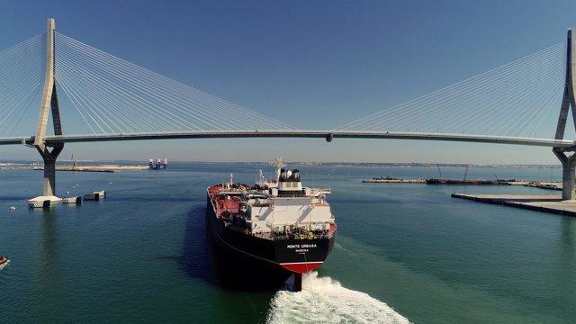 Petrolero Suezmax 'Monte Urbasa' hecho en Astilleros de Navantia-Puerto Real