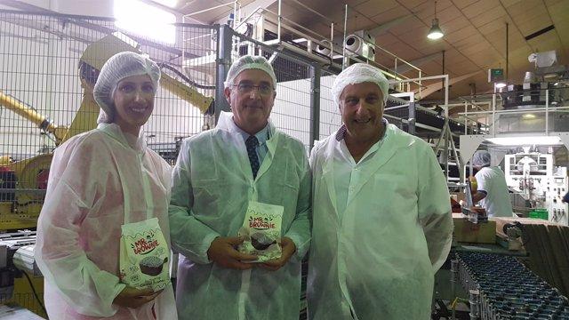 Olona ha visitado hoy la empresa Magdalenas Lázaro, en Alfamén