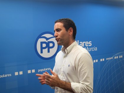 """El PP no ve similitudes entre el caso de Montón y el de Casado y dice que los """"inocentes"""" no deben dimitir"""