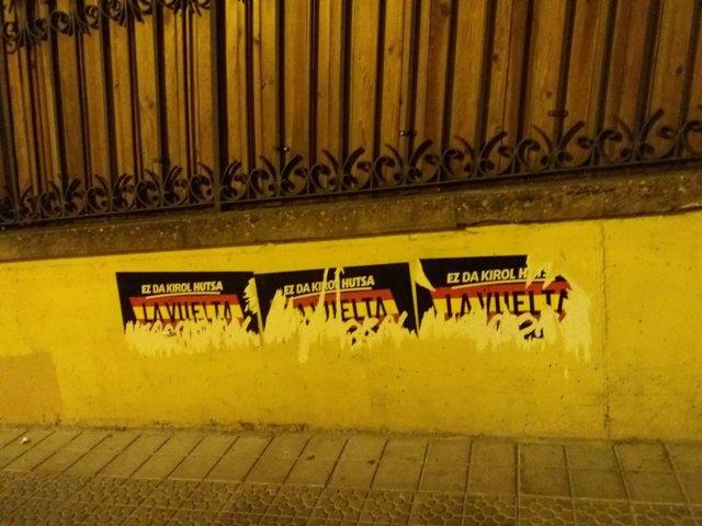 Carteles en contra de la Vuelta Ciclista en Getxo