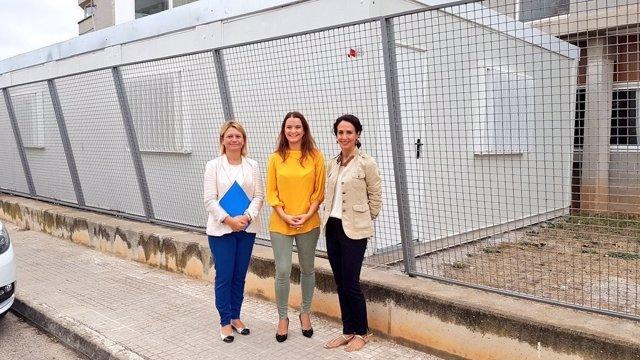 Prohens critica que empiece el curso 'con más barracones que nunca' en Baleares