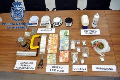 Dos detenidos y un punto de venta de droga desmantelado en Ibiza