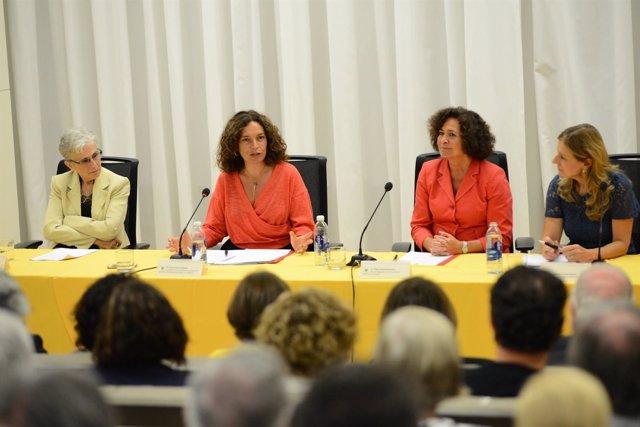 Acto de firma del protocolo del programa 'María Castellano'