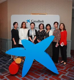 Moderadora y panelistas de la jornada Diversity Talks en Shanghái