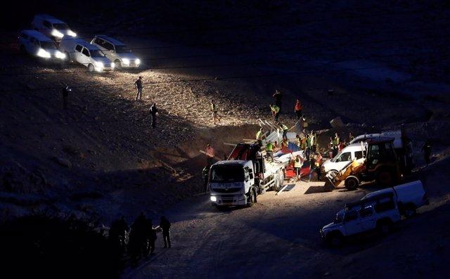 Las fuerzas israelíes desmantelan acampada palestina junto a Jan al Ahmar