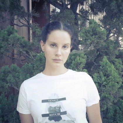 Escucha el nuevo single de Lana Del Rey: Mariners Apartment Complex